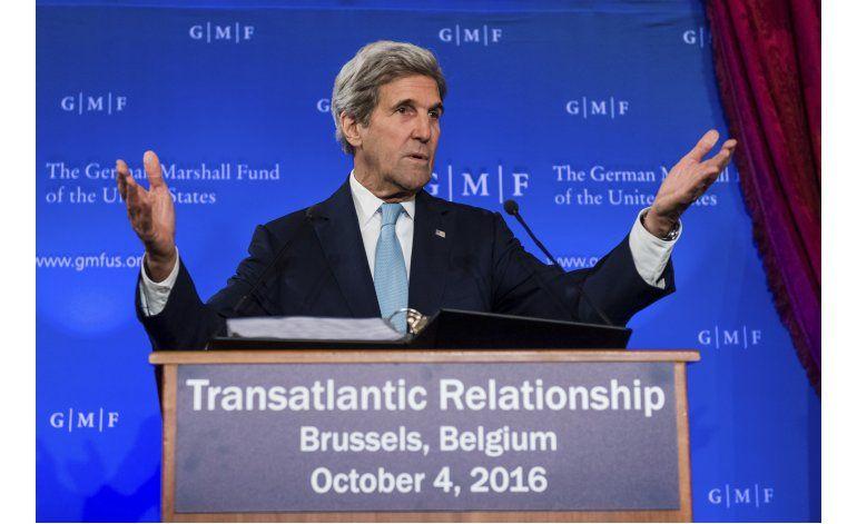 Kerry dice que EEUU no abandonó gestión de paz en Siria