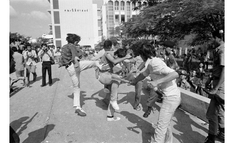 Masacre pasa casi inadvertida en Tailandia 40 años después
