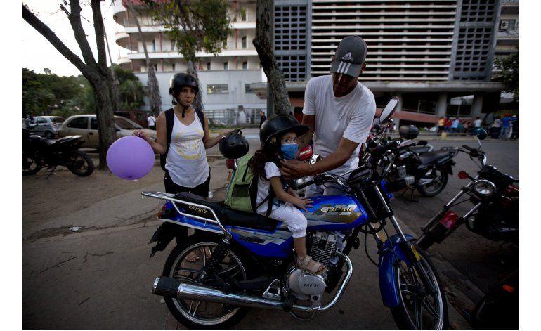 Un raspón pone en jaque la vida de una niña venezolana