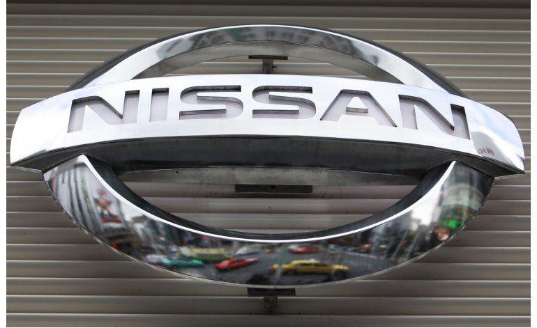 Investigan bolsas de aire en vehículos Nissan