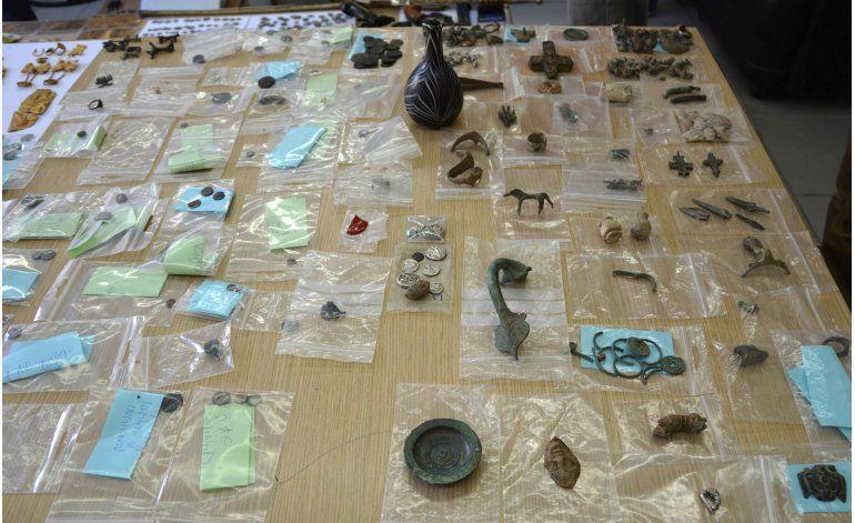 Grecia desmantela banda de contrabando de objetos antiguos