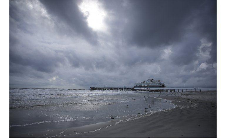 Inundaciones amenazan a EEUU antes de la llegada de Matthew