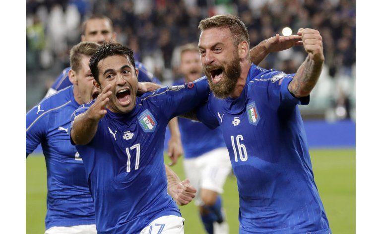 Italia y España empatan 1-1 en eliminatorias europeas