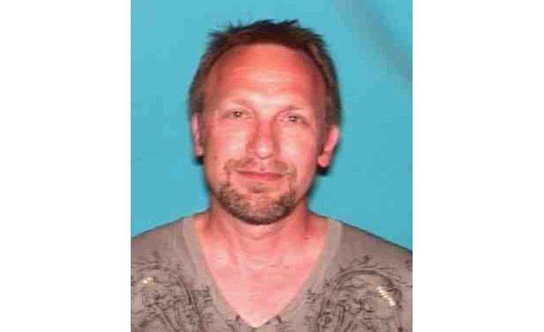 Arrestan a director de Backpage por cargos de tráfico sexual