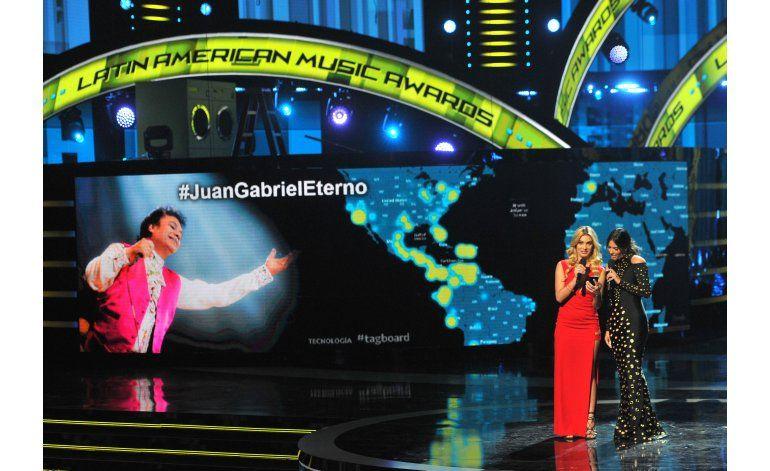CNCO triunfa en los Latin AMAs, gran homenaje a Juan Gabriel