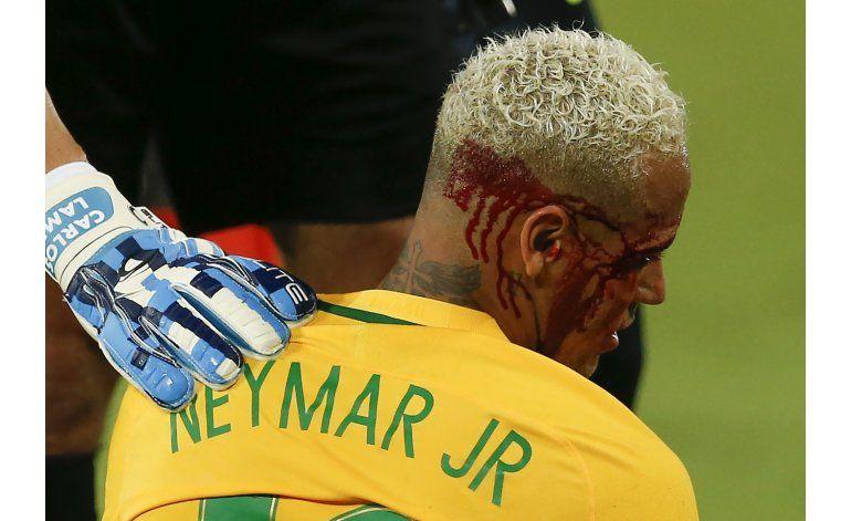 Brasil apabulla 5-0 a Bolivia, con el gol 300 de Neymar
