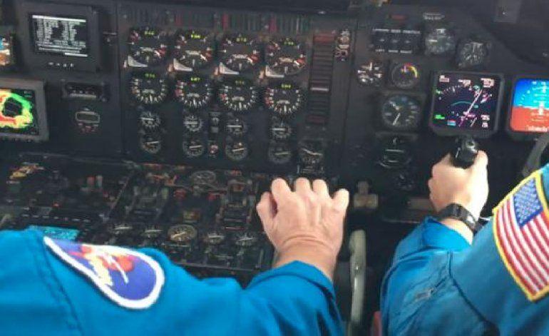 Los pilotos de la NOAA que debieron atravesar el ojo del huracán Matthew