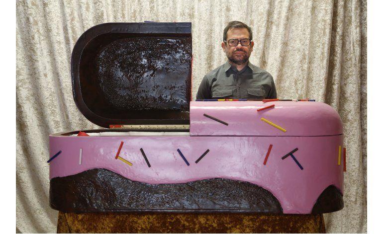 Artista Pedro Reyes monta casa embrujada por las elecciones