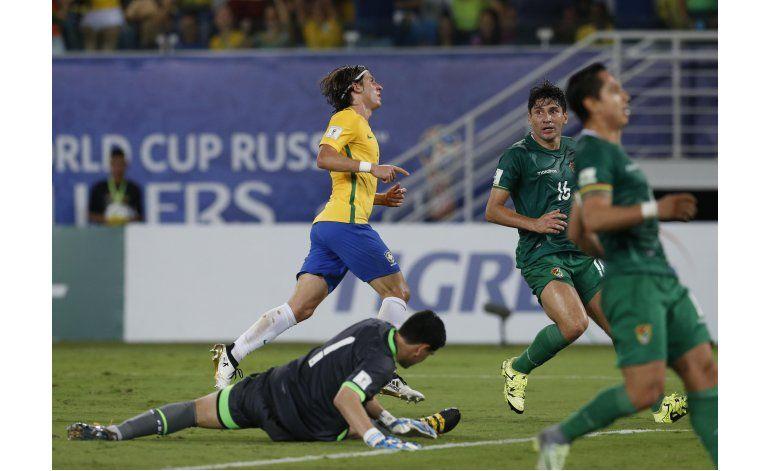 FIFA investiga jugador inhabilitado de Bolivia