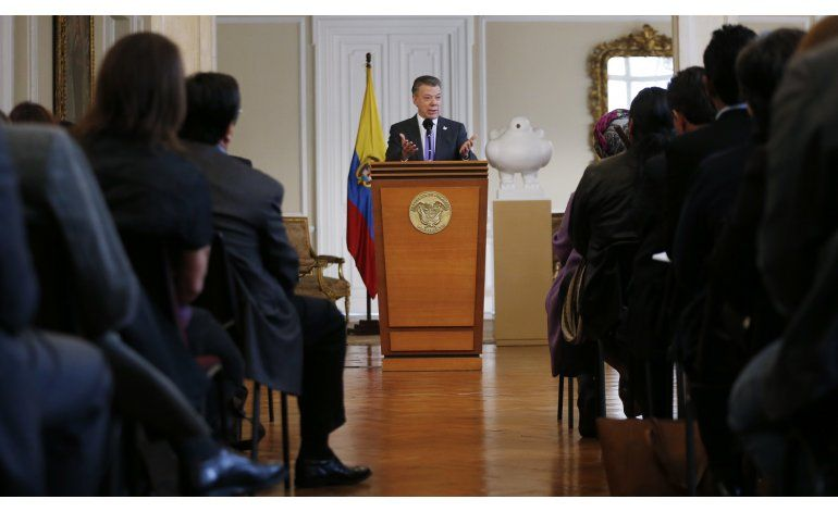 Nobel trae nuevo aire a Santos en una Colombia dividida