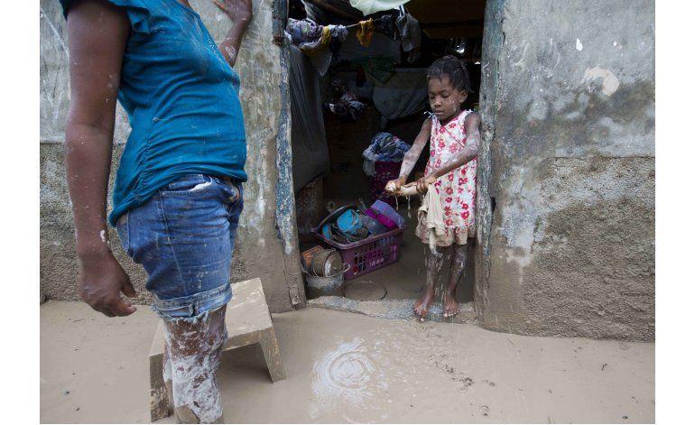 Haití llora y sepulta a víctimas del huracán Matthew