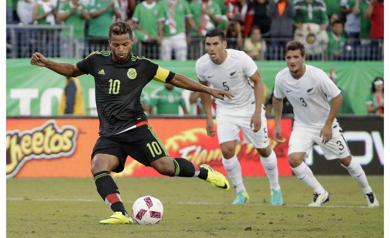 Dos Santos y Fabián regresan con éxito a la selección