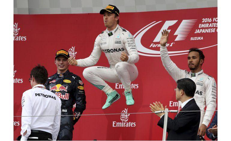 Rosberg gana el GP de Japón, amplía ventaja sobre Hamilton