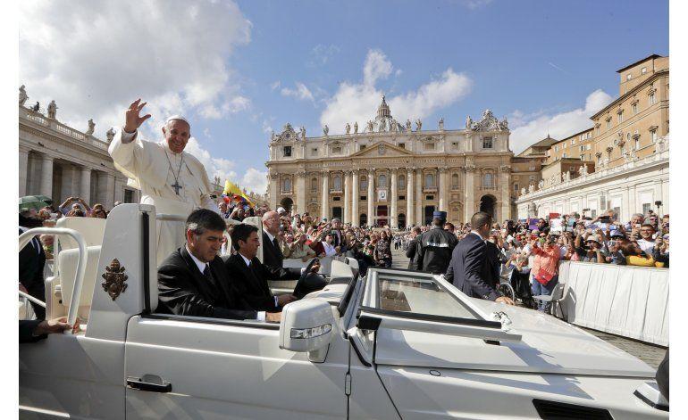El papa nombra 17 cardenales, 13 de ellos electores