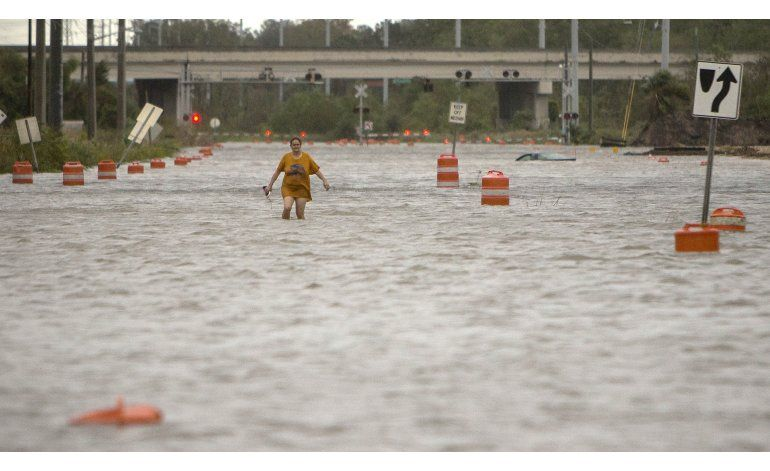 Suman 18 muertos en EEUU por Matthew; inunda North Carolina