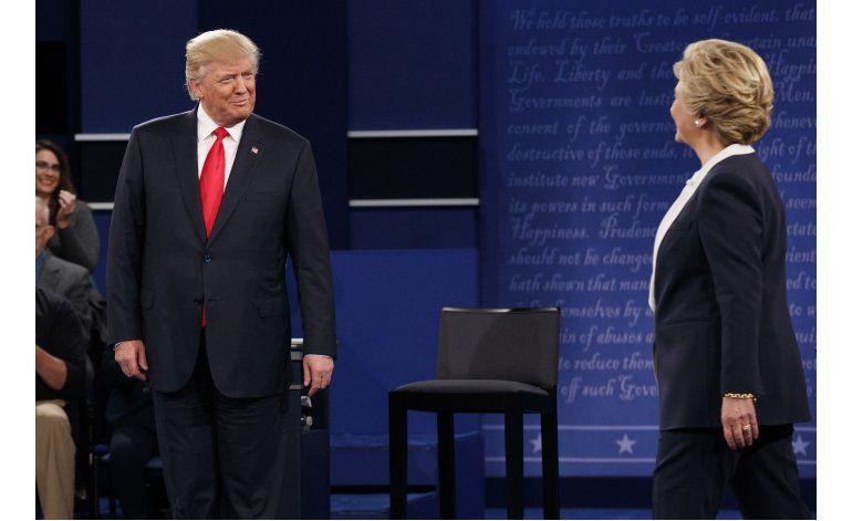 LO ÚLTIMO: Clinton y Trump se enfrentan sobre ley de salud