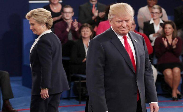 Donald Trump y Hillary Clinton chocaron en un debate marcado por los escándalos