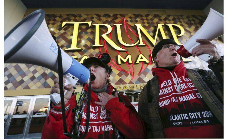 Taj Mahal de Trump cierra tras 26 años, 5a víctima de crisis