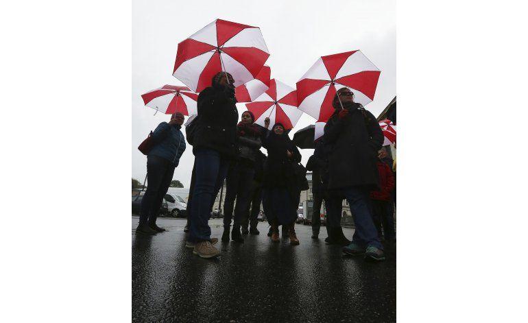Docentes protestan por reforma escolar en Polonia
