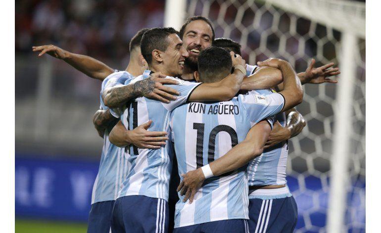 Mundial: Argentina-Paraguay, un duelo entre necesitados