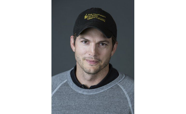 Ashton Kutcher desearía no ser un actor famoso