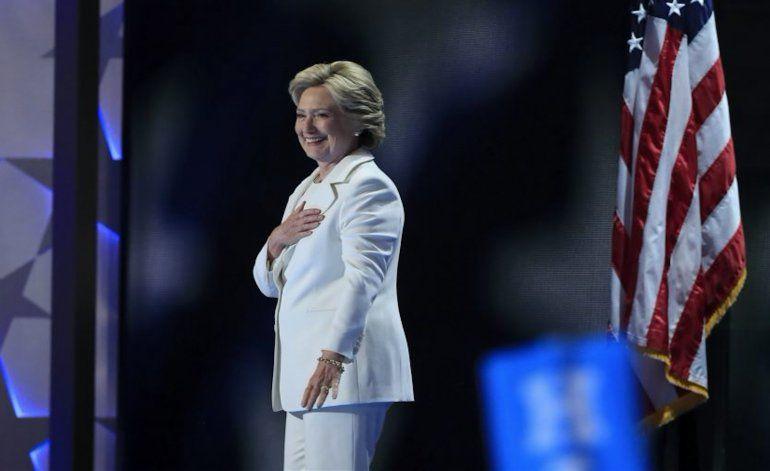 Poderoso grupo cubanoamericano da su apoyo a Clinton