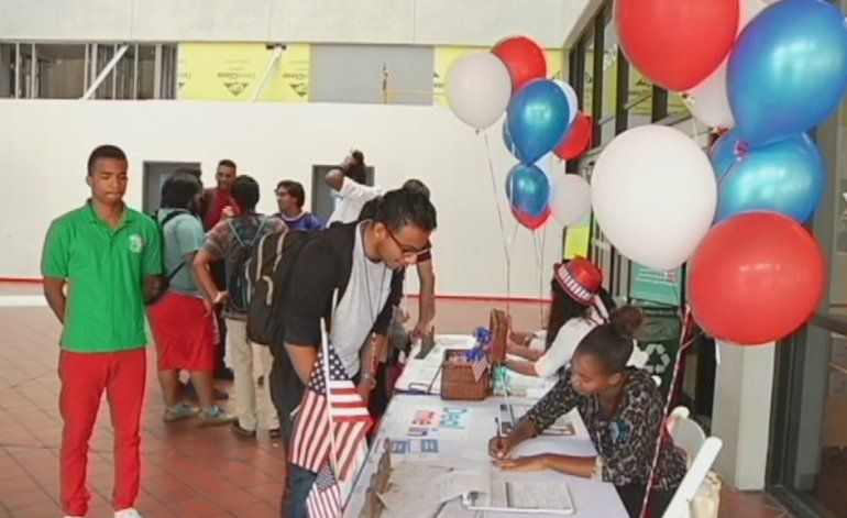 A punto de cerrar el plazo de registración de los nuevos votantes en la Florida