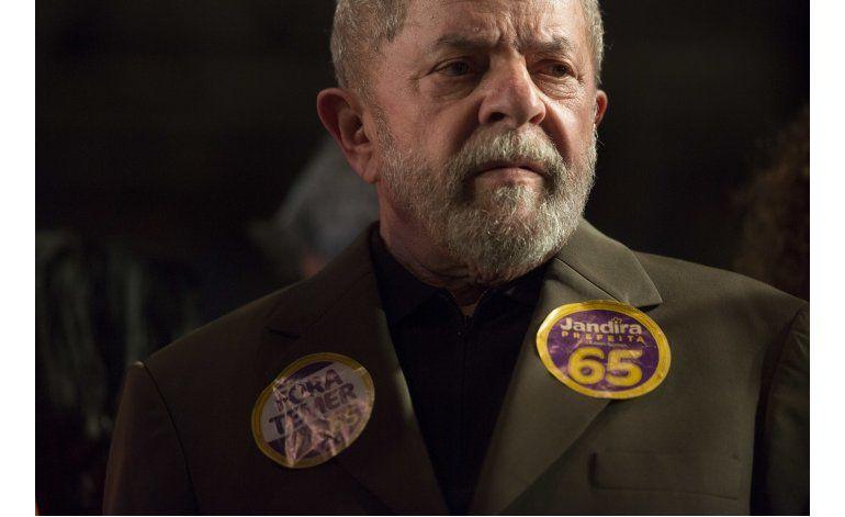 Fiscales brasileños presentan nuevos cargos contra Lula