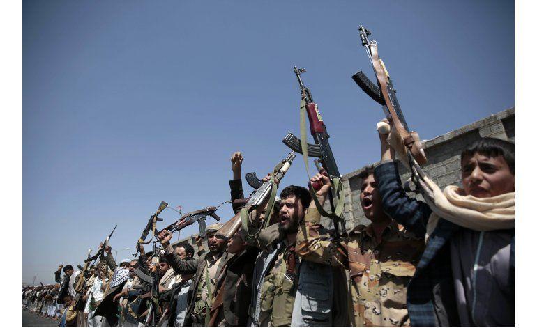 Bombardeo en Yemen agudiza el conflicto; presiona a EEUU