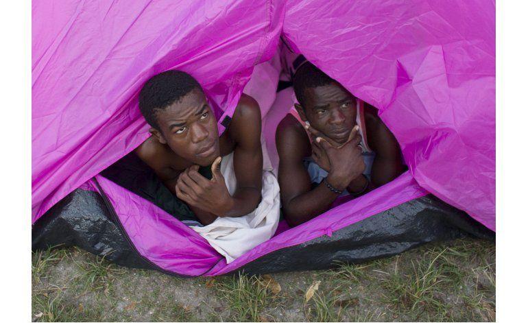 Haitianos reconstruyen sus vidas, empiezan a recibir ayudas