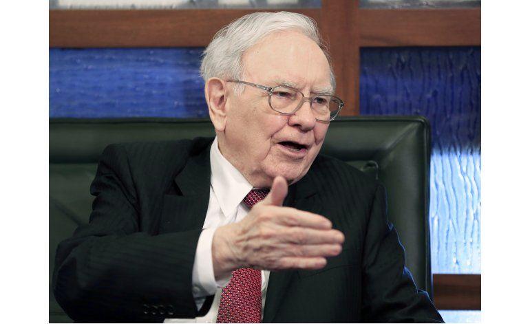 Buffett gana dinero más rápido de lo que puede invertirlo