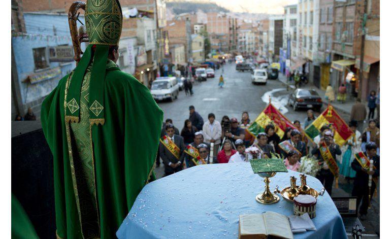 Iglesia de ex curas irrita a curia católica en Bolivia