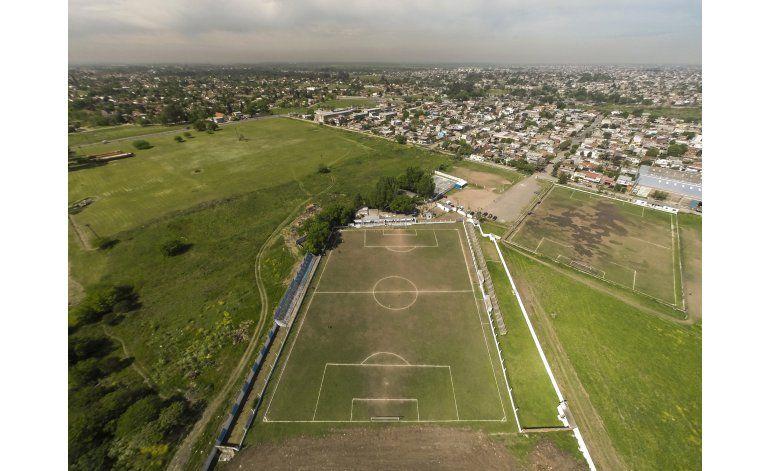 Argentina: equipo jugó 30 años con su cancha torcida