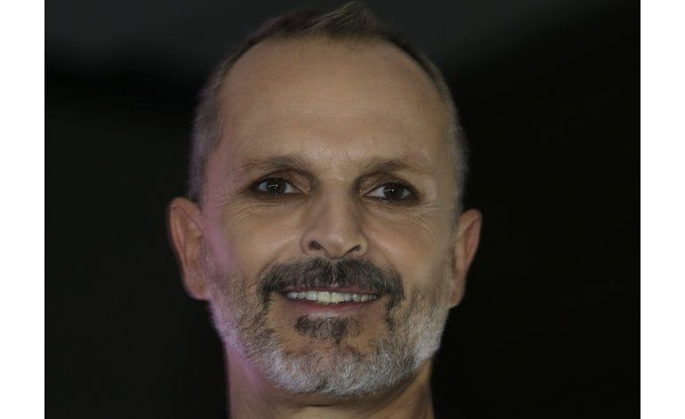 Miguel Bosé listo para concierto RiseUp AS ONE