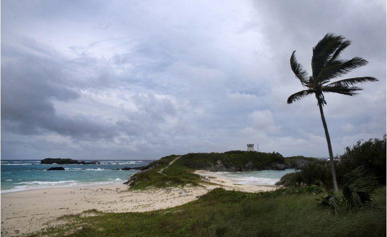 Huracán Nicole crece a categoría 4 y amenaza las Bermudas