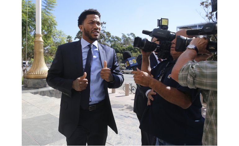 Juez rechaza petición de juicio nulo en caso Derrick Rose