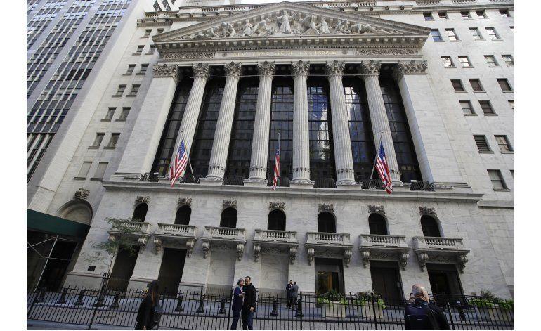Wall Street cierra con bajas moderadas