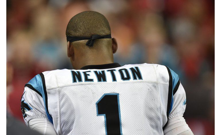 Cam Newton practica sin restricciones con los Panthers