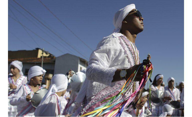 Congada mezcla raíces africanas, ritos católicos en Brasil