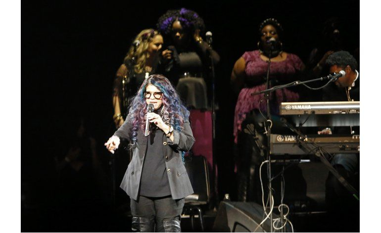Wonder, Chaka Khan encabezan el concierto homenaje a Prince