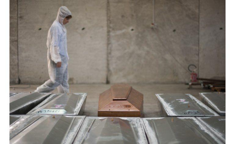 Intentan identificar migrantes muertos en el Mediterráneo