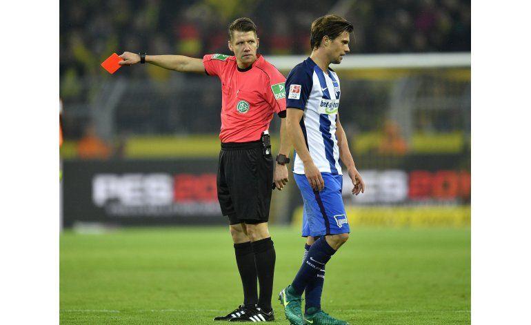 Borussia Dortmund y Hertha Berlín igualan 1-1
