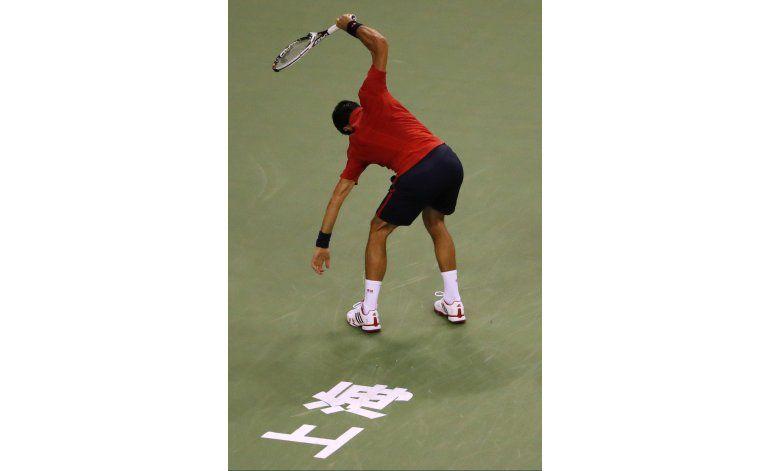 Djokovic pierde los estribos y las semifinales de Shanghai