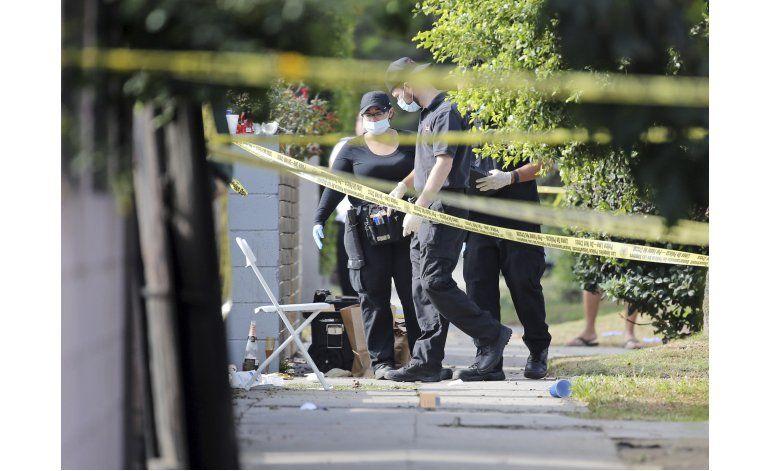 Tiroteo en restaurante de LA deja 3 muertos y 12 heridos