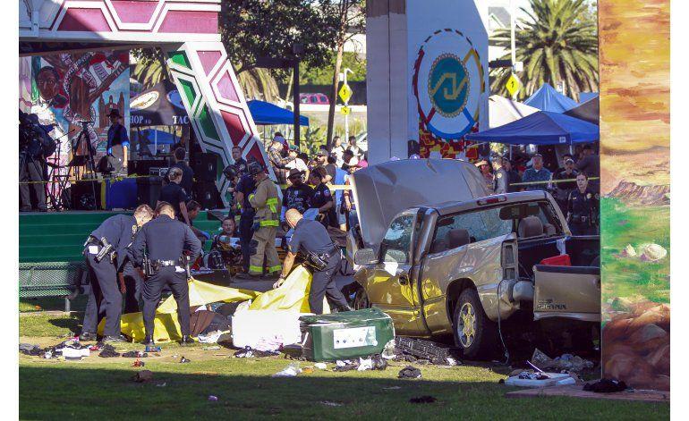 Camioneta cae sobre un festival en San Diego; hay 4 muertos