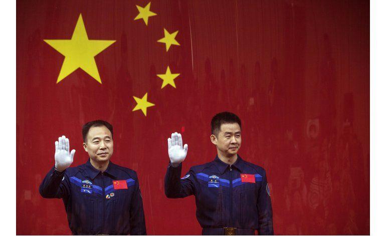 China lanzará el lunes misión espacial con dos astronautas