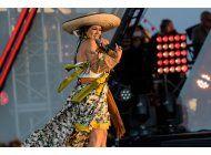 latinos cantan por la union y la diversidad en la frontera