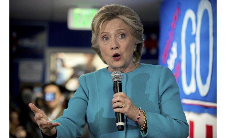 Emails muestran que Clinton evitó criticar a Wall Street