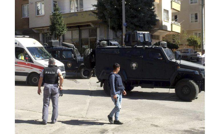 Atacante suicida mata tres personas en Turquía