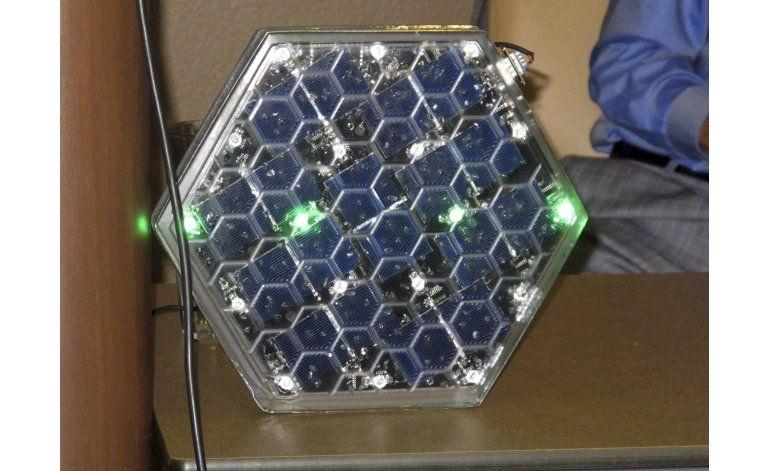 Empresa de EEUU crea paneles solares que sirven como aceras